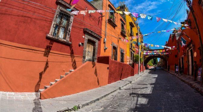 Guanajuato: SMAOT entrega sistemas de aprovechamiento de agua de lluvia a sanmiguelenses (Milenio)