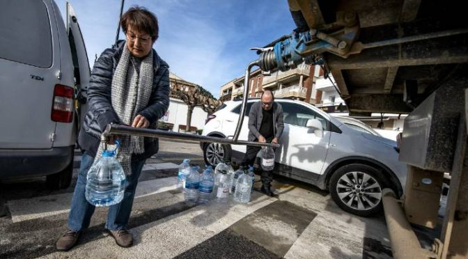 Girona: Más de 17.500 hogares siguen sin agua una semana después del temporal (El País)