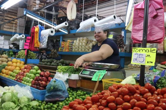 Sinaloa: ¡Golpe al bolsillo! Aumentan precios del agua, tomate, calabaza y tortilla (Línea Directa)