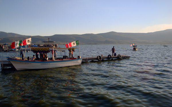 Guadalajara: Limpiar laguna de Cajititlán sería un milagro (Mural)