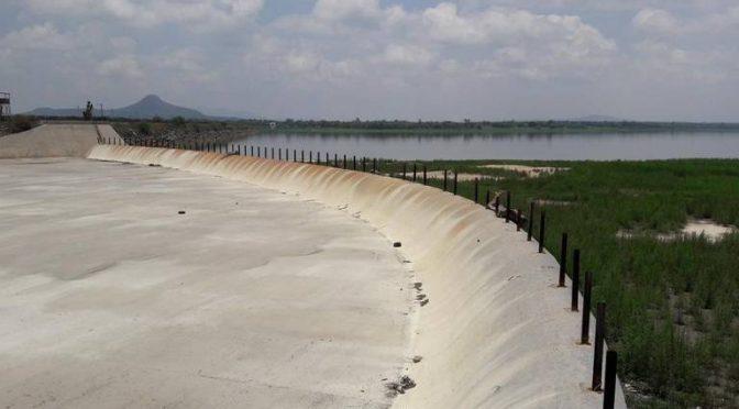 Hidalgo: Realizan última fumigación en presa Endho (El Independiente de Hidalgo)