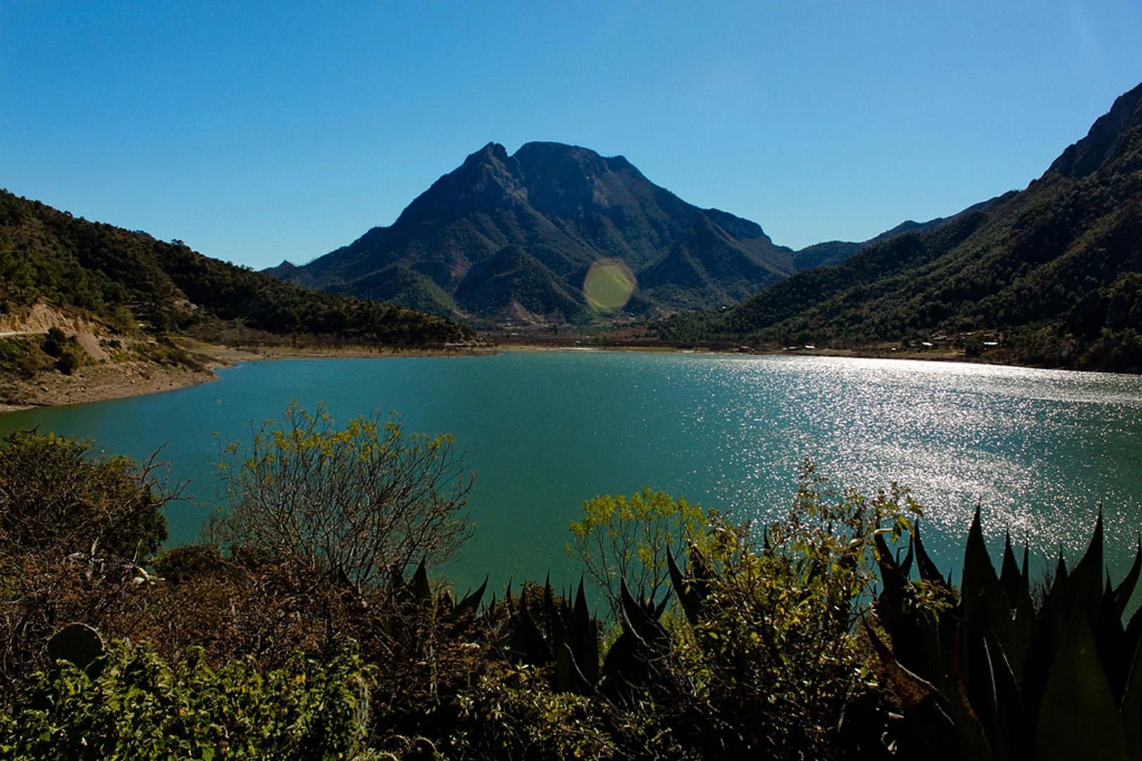 Paisaje litoral de la Laguna de Bacalar (Quintana Roo, México): ocupación del suelo y producción del imaginario por el turismo