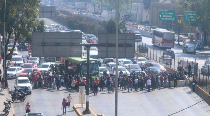CDMX: Bloquean Circuito Interior en Gustavo A. Madero por falta de agua (Debate)