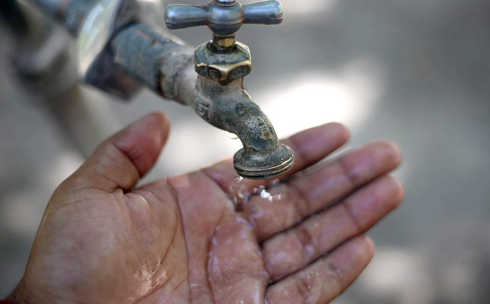 Ciudad de México cobrará más por agua en 165 colonias cuyo consumo sea mayor a 60 mil litros (Milenio)