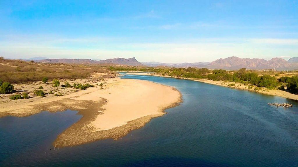 La importancia económica del delta de la desembocadura del Río Balsas en la zona limítrofe de los estados de Michoacán y Guerrero al inicio del tercer milenio