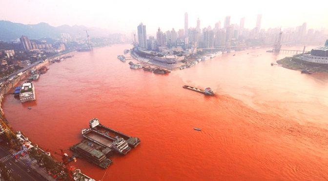 "China: ""Guerreros"" contra el agua que mata en el río Yangtsé (Infoabe)"