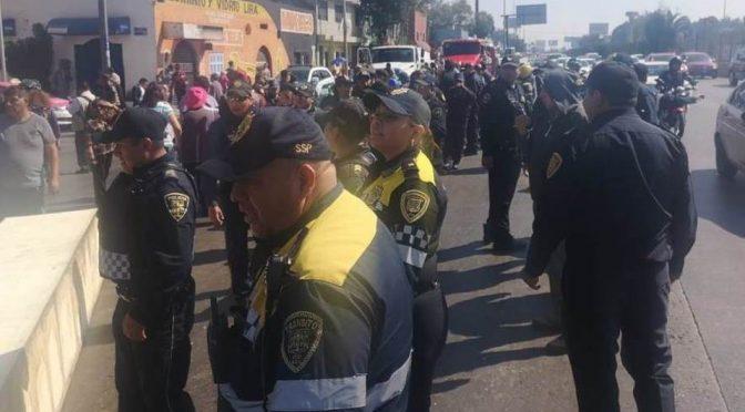 CDMX: Vecinos de la GAM bloquean carriles de Circuito Interior (Milenio)