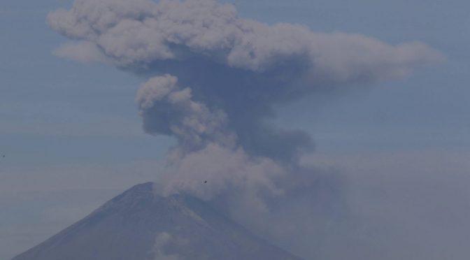 México: Por actividad eruptiva  y cambio climático  se extingue el glaciar del Popocatépetl: Delgado (La Jornada de Oriente)