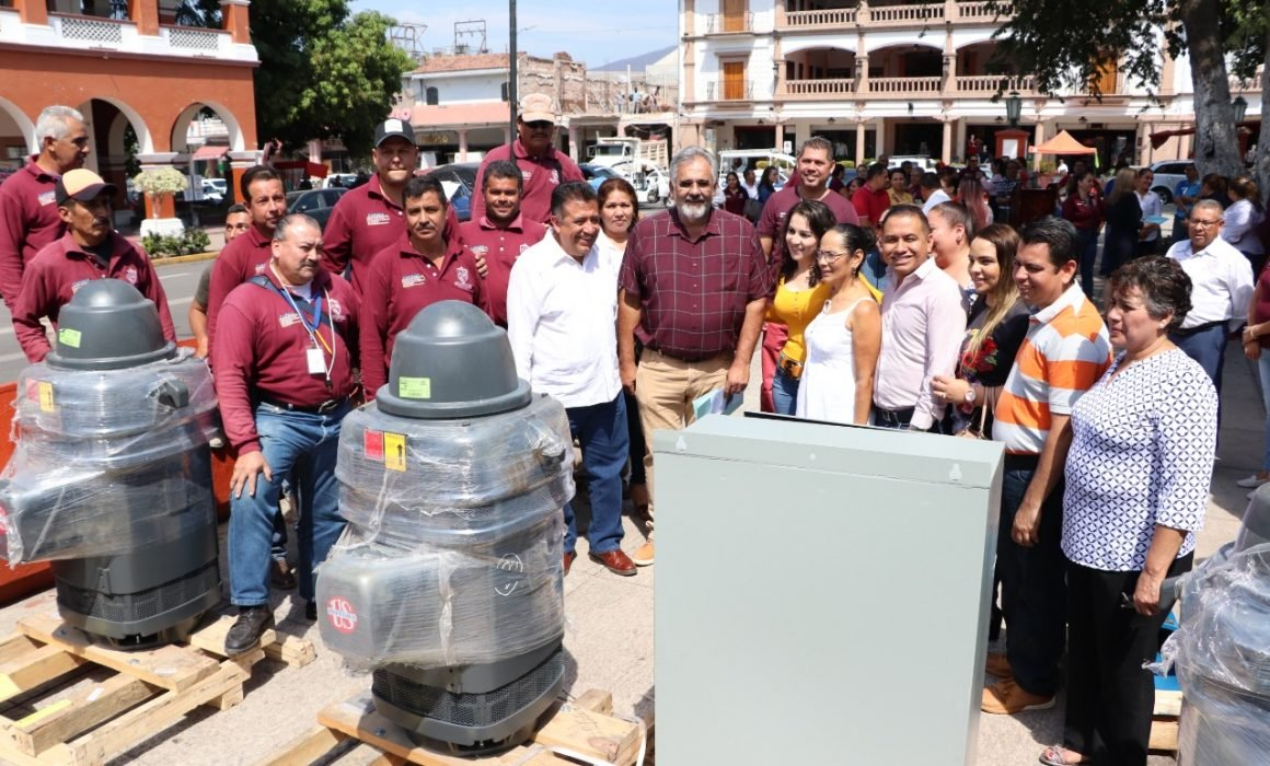 Michoacán: aterrizan 9 mdp para agua potable en Apatzingán (Quadratín)