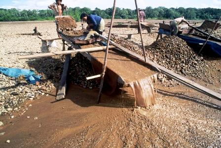 Bolivia: El abuso del mercurio en la minería aurífera atenta a la Amazonía. (El Estado Digital)