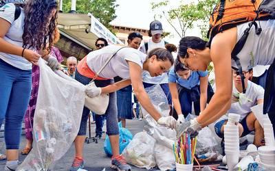 Querétaro: Voluntarios se unen para limpiar río (El Universal)