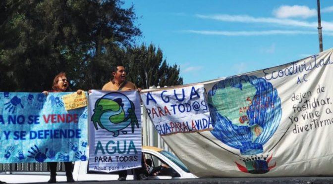 CDMX: entregan casi 200 mil firmas para modificar la Ley General de Aguas (Proceso)