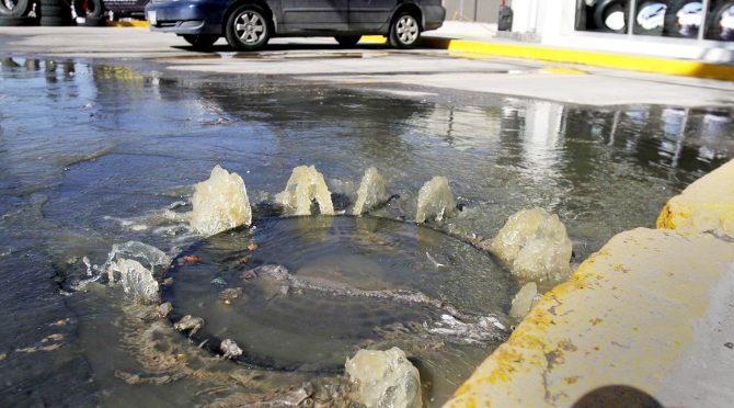 Chihuahua: foco de infección en depósito de aguas residuales en La Fortuna (El Sol de Parral)