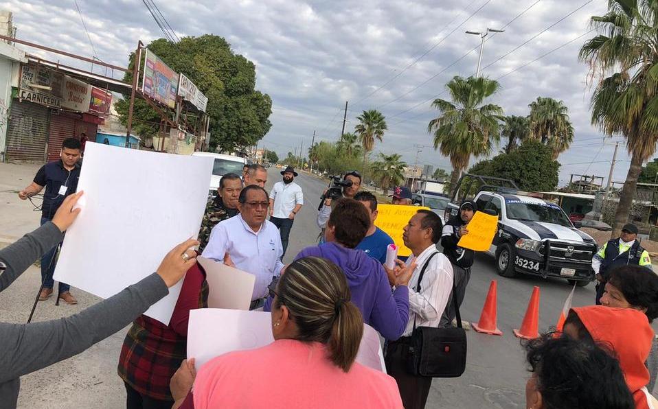 Coahuila: Vecinos de la colonia Lázaro Cárdenas bloquean boulevar por falta de agua (Milenio)