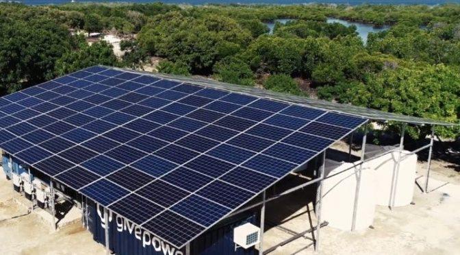 Kenia: la primera granja de energía solar que transforma el agua de mar en agua potable (La Verdad)