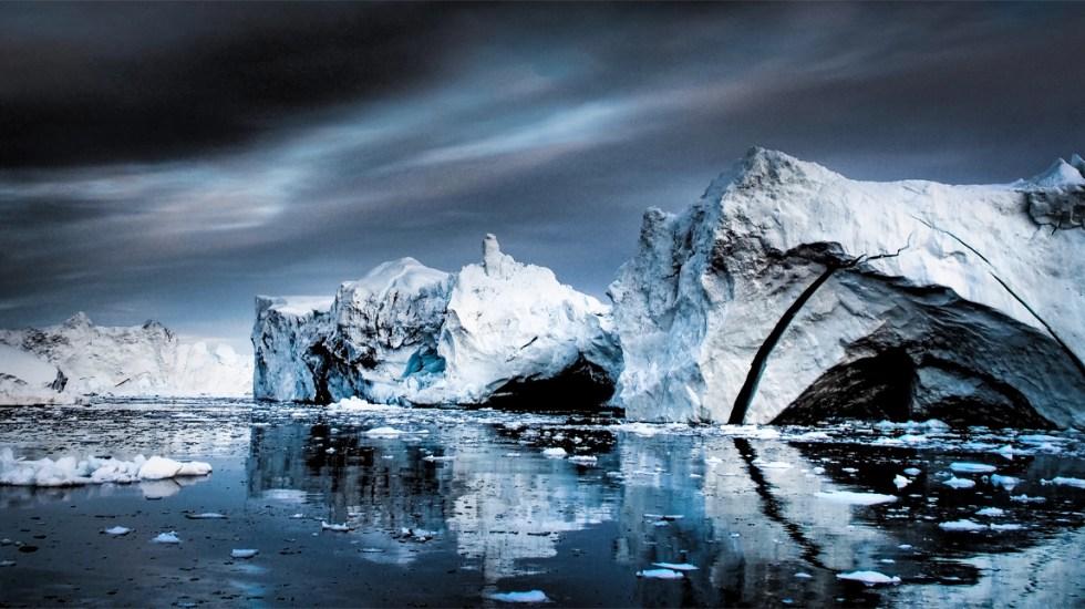 Groenlandia abre su mercado para vender agua del deshielo de icebergs (López Dóriga Digital)