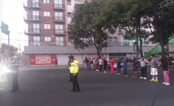 CDMX: Bloquean calles de Azcapotzalco por falta de agua; alcaldía garantiza suministro (El Universal)