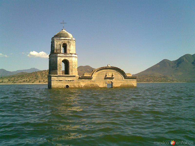 Presa de Infiernillo, Michoacán