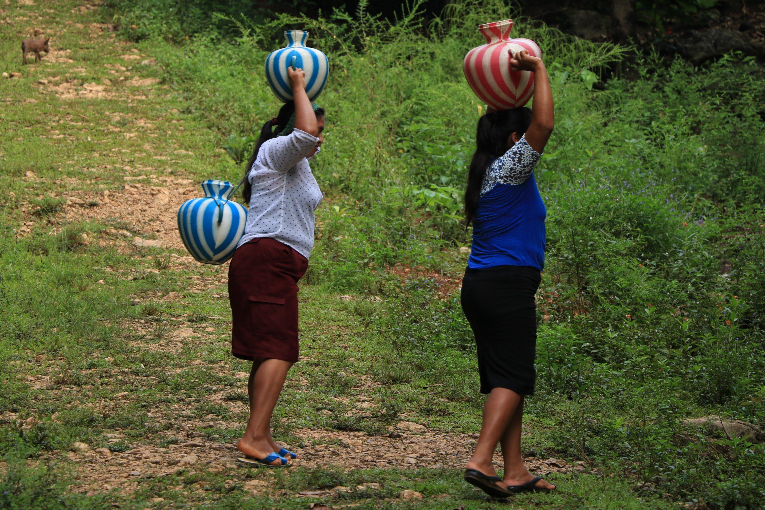Mujeres y agua: una relación para la preservación