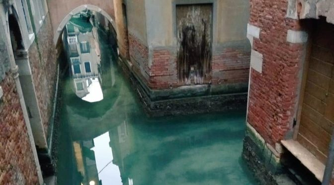 Canales de Venecia aparecen cristalinos por cuarentena por coronavirus (Milenio)
