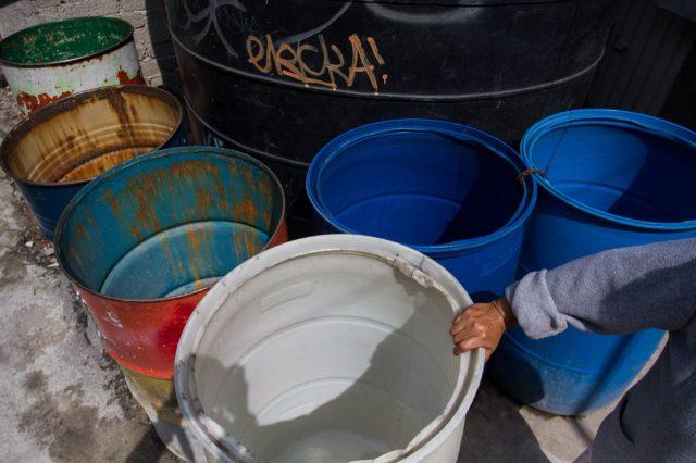 CDMX: La falta de agua dificulta a capitalinos luchar contra el coronavirus (Expansión)