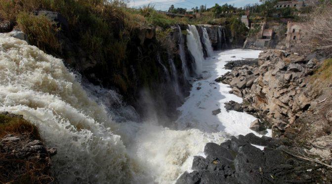 Guadalajara: Las muertes causadas por el río Santiago obligaron a triplicar el espacio del cementerio, acusan (Sinembargo)
