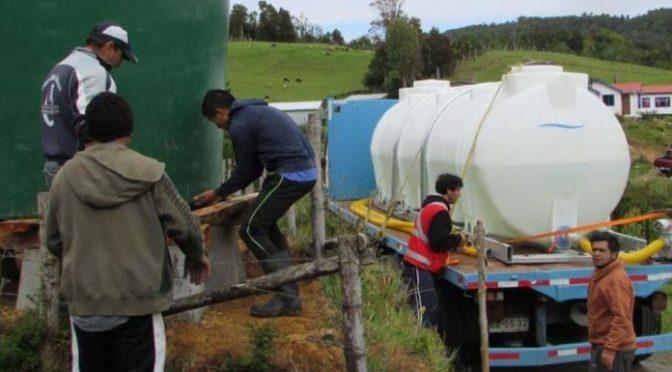 Chile: municipio entrega agua a 206 familias de 30 sectores rurales (Foro del Agua)