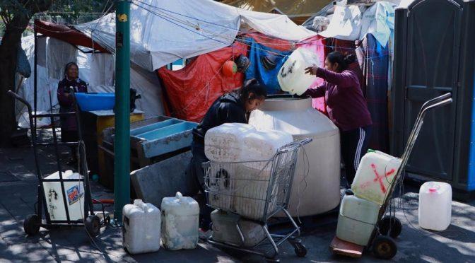 CDMX: Sin agua y hacinados en tiendas de campaña: así enfrentan la amenaza del coronavirus damnificados del 19-S  (Animal Político)