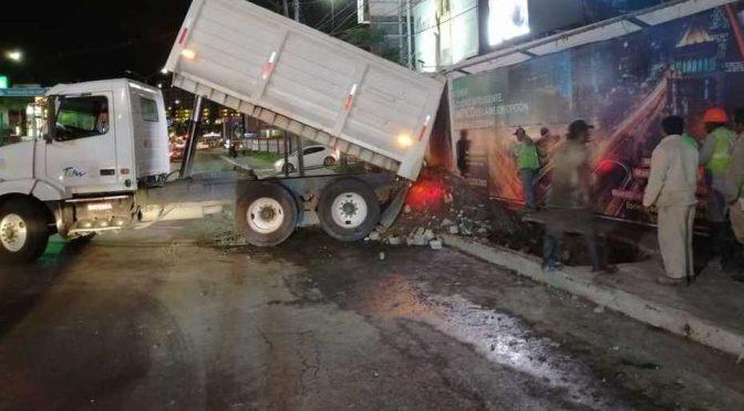 Tamaulipas: cambian tubería en Avenida Hidalgo para desfogar aguas residuales (Milenio)