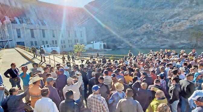 Chihuahua: Denuncian presiones para entregar agua (El Diario de Chihuahua)