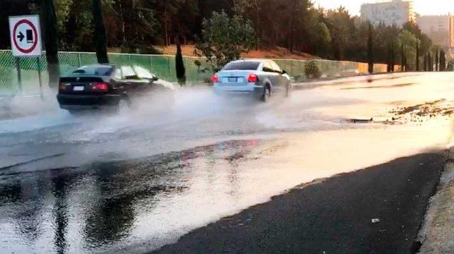 CDMX: Exigen en Santa Fe reparación de fuga de agua (Excelsior)