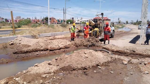 10 colonias sin agua por tubería rota en Aguascalientes (Debate)