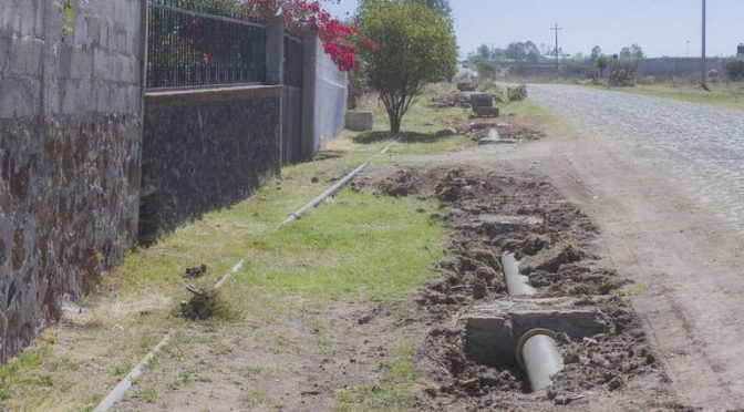 Querétaro: Sustituyen tubería de agua en comunidades (El Sol de San Juan del Río)