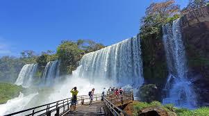 Argentina: Cataratas en cuarentena: sin agua ni visitantes, el drama del principal punto turístico del país (Infobae)