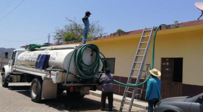 Puebla: Abastecen agua potable en Tecomatlán (El Popular)