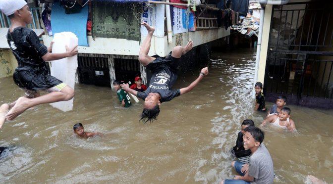 Indonesia: El riesgo de tsunami amenaza la futura capital (El País)