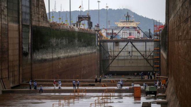 Por qué el Canal de Panamá se está quedando sin agua (y no tiene nada que ver con la crisis del coronavirus) (BBC