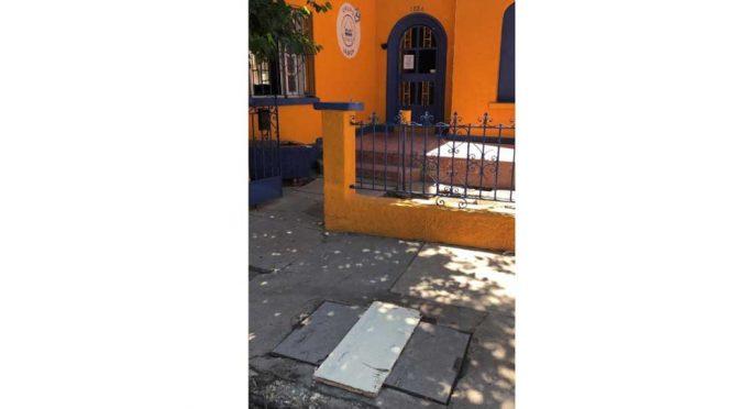 Chihuahua: Tras días de insistencia de vecinos repara JMAS fuga de agua de drenaje (El Diario de Juárez)