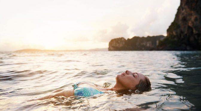 ¿El agua puede transmitir el COVID-19? Especialistas hablan sobre agua potable, albercas y playas (México desconocido)