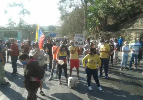 """""""Queremos agua"""": el reclamo de los venezolanos en Sucre tras 57 días sin servicio en medio de la emergencia por el coronavirus (Infobae)"""