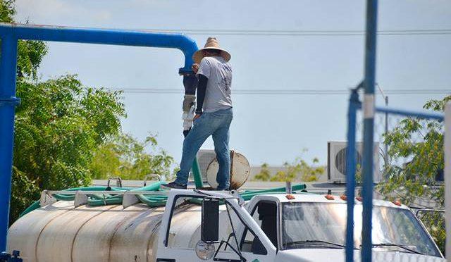 Baja California: Llevan agua en pipas a colonias sin red hídrica (El Sudcaliforniano)