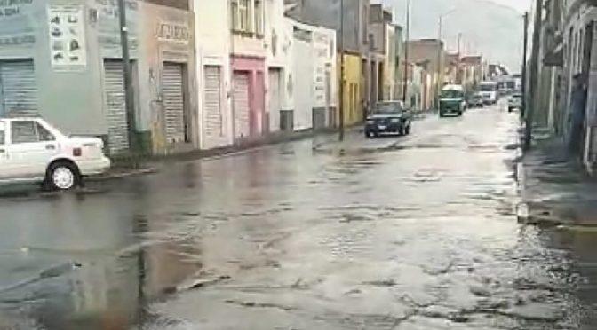 Michoacán: Reportan fuga de agua en el Centro de Morelia (Quadratín Michoacán)