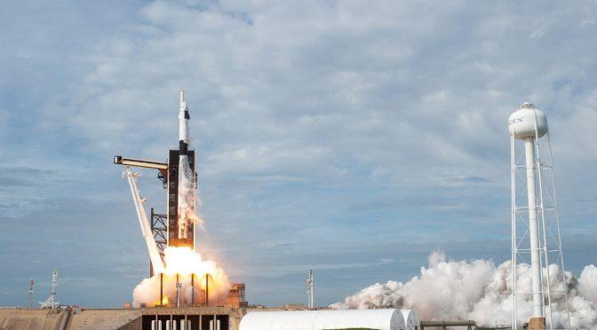 EEUU: NASA: así funciona el impresionante sistema de protección con agua que usa para el lanzamiento de cohetes (Yahoo Finanzas)