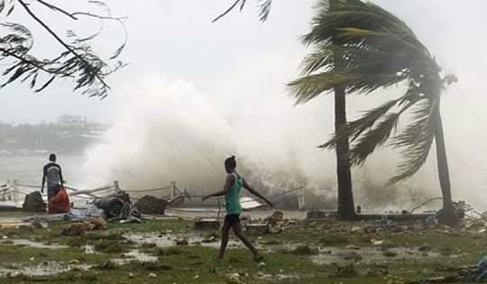 Ciclón Amphan dejó devastación a su paso por India y Bangladesh (La Jornada)
