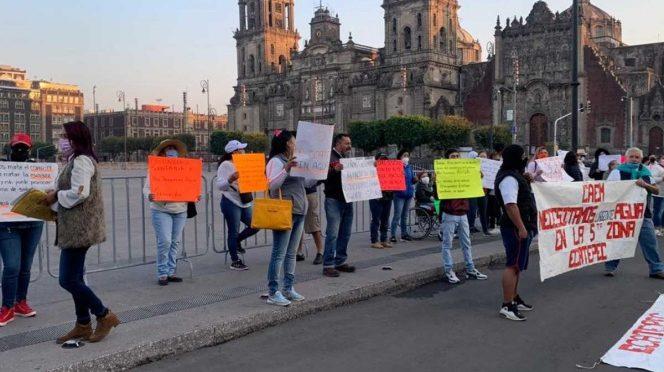 EdoMex: Vecinos de Ecatepec piden agua afuera de Palacio Nacional (Exélsior)