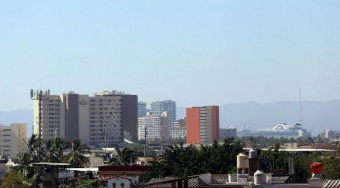 Jalisco: Aumenta consumo de agua por confinamiento en Puerto Vallarta (La Jornada)
