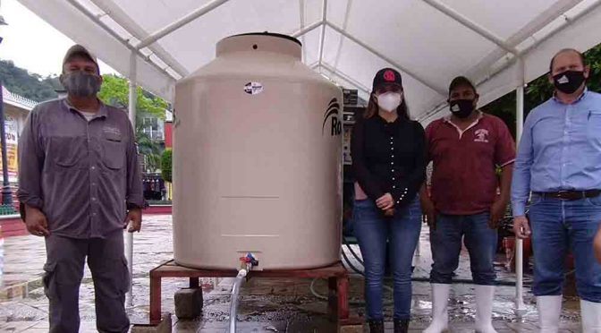 Chiapas: En Tecpatán, brindan agua purificada (Diario de Chiapas)