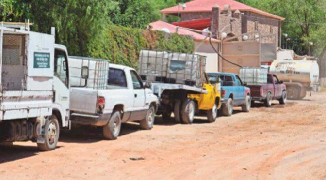 Chihuahua: Largas filas para comprar agua a particulares (El Diario de Chihuahua)