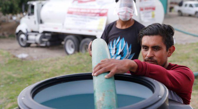 Gobierno de Puebla distribuye 10 mil depósitos de agua en 15 juntas auxiliares de la entidad (Puebla Noticias)
