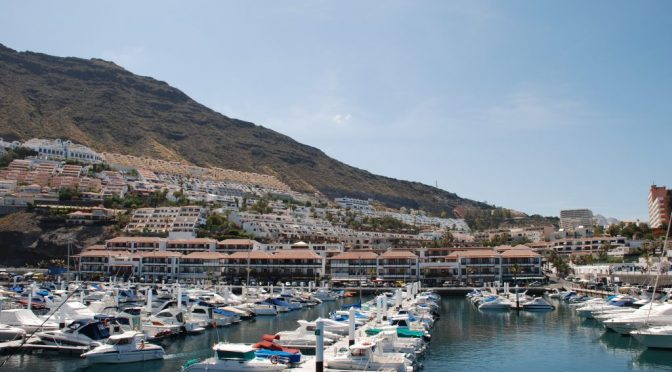 España: El Puerto Deportivo de Los Gigantes obtiene por octavo año consecutivo el galardón de Bandera Azul (El Periódico de Canarias)
